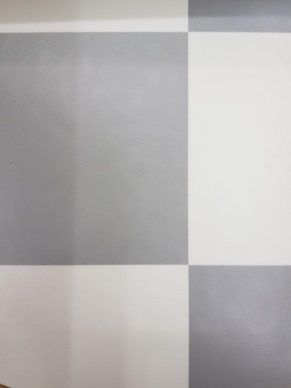 פי וי סי אריחים אפור לבן