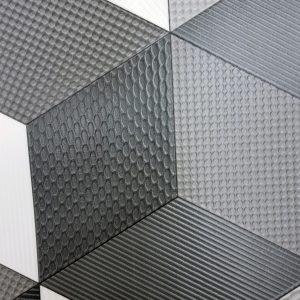 פי וי סי דגם קוביות שחור לבן