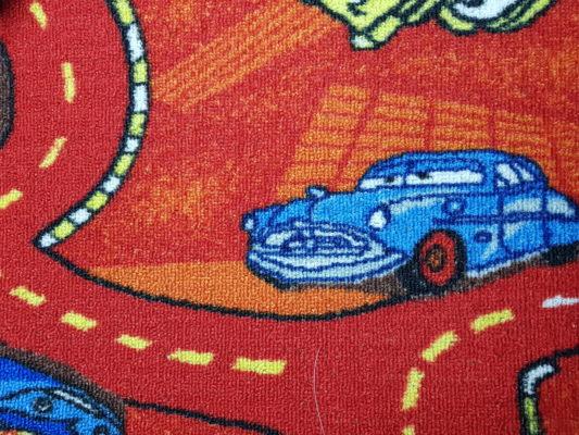 שטיח מקיר לקיר דגם רכב בורדו