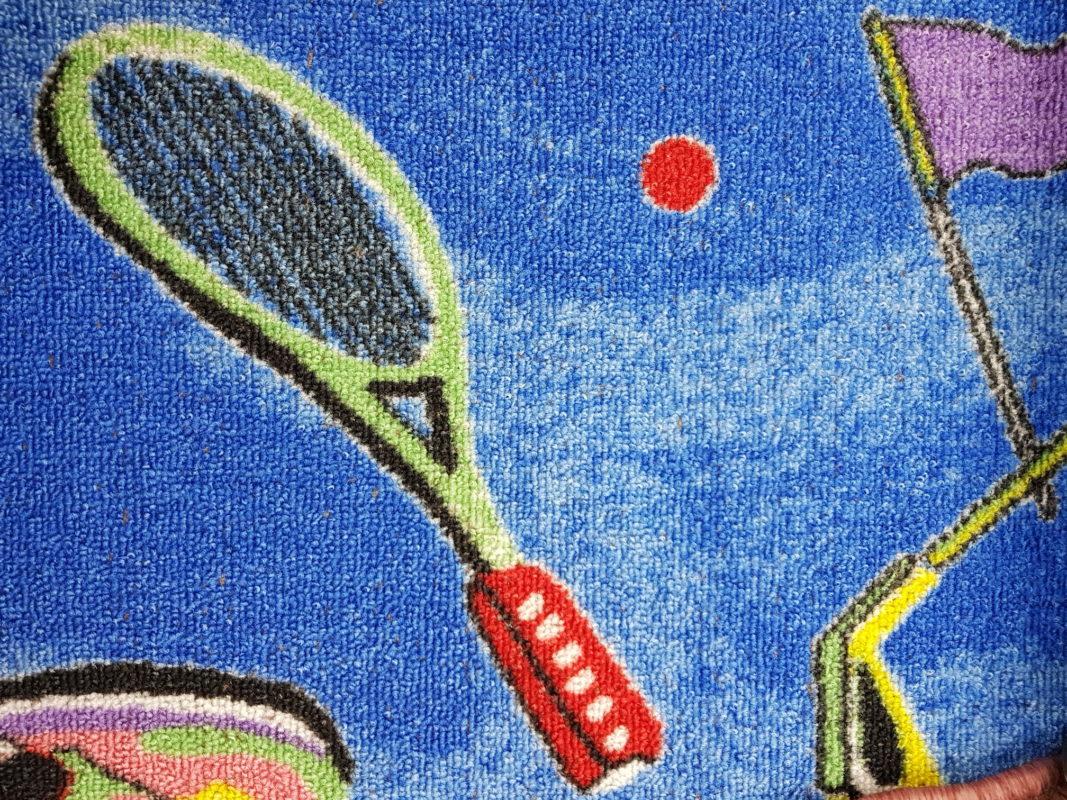 שטיח מקיר לקיר דגם טניס כחול