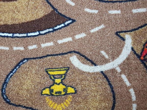 שטיח מקיר לקיר דגם רחוב חום