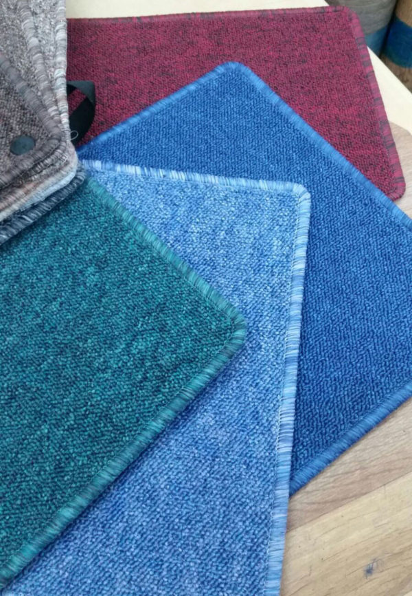 שטיח שעיר מקיר לקיר מגוון צבעים